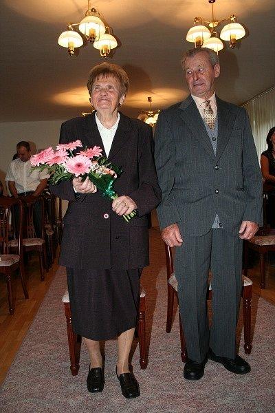 Diamantová svatba v Šitbořicích. Manželé Steinbockovi