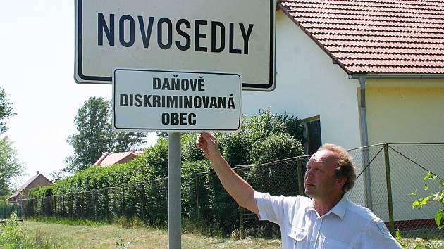 Starosta obce Novosedly na Břeclavsku František Trefilík se připojil k protestu.