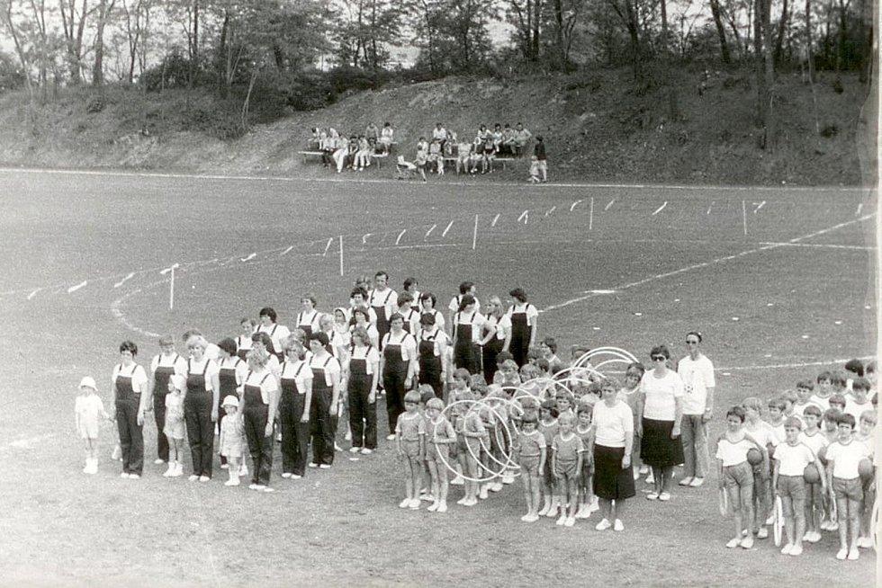 Drnholec 8. června 1980. Místní spartakiáda.