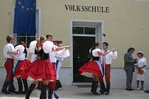 Nejen na své začátky v rakouské škole přišli zavzpomínat čeští absolventi.