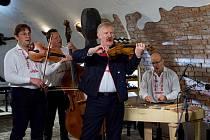 Cimbálová muzika Klaret.