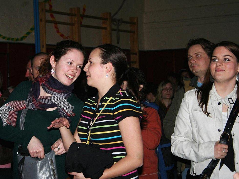 V Podivíně se konal festival regionálních skupin.