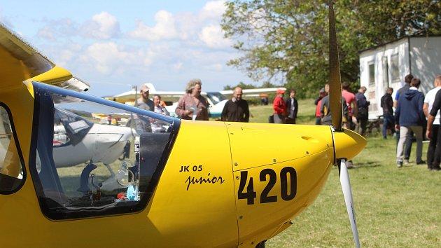Kolem Bořetic kroužili piloti ultralightů