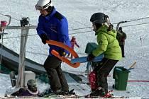 V Němčičkách se tento týden lyžuje. Přesto se provozovatelé obávají, že teploty opět klesnou.
