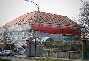 V Podivíně opravují budovu historické radnice z roku 1853.