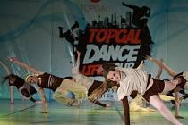 Vím, že mě podržíš… Tak se jmenuje choreografie Lenky Růžičkové, se kterou slavila zatím svůj poslední velký úspěch velkobílovická taneční skupina Balanc.