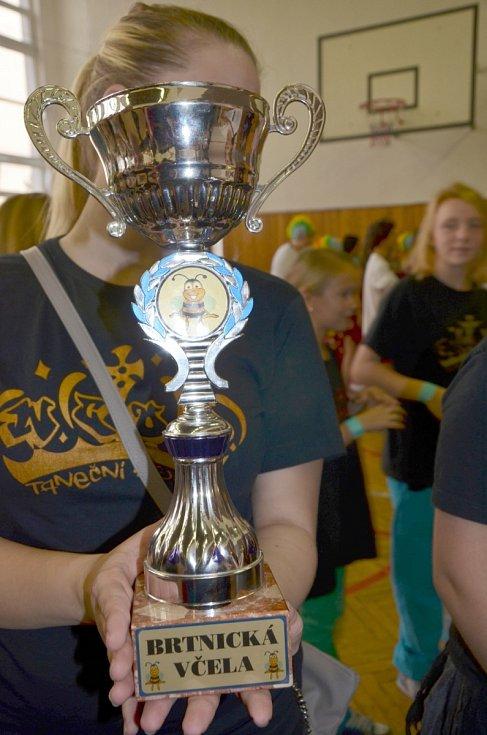 Břeclavské taneční skupiny E.M. Dancers a N.C.O.D. přivezly z Brtnice deset medailí.