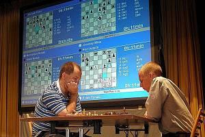 Šachový turnaj v Hustopečích - Jírovský a Viktor Láznička.