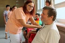 Do břeclavské nemocnice vyrazily desítky zájemců o radu i vyšetření srdce.