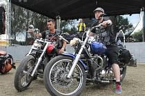 K Nikolčicím se sjely stovky motorkářů. Na další obří Motonálet.