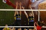 Břeclavské volejbalistky (v černém) se rozloučily se sezonou dvěma výhrami.