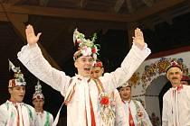 Titul Stárka Podluží obhájil ve Tvrdonicích Martin Vaculík z Dolních Bojanovic. Znovu těsně před Janem Huňařem ze Staré Břeclavi, kolegou z národopisného souboru Břeclavan.