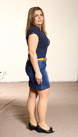 Teď je většina tukových polštářů už pryč a Eva vobchodě sahá ipo velikosti 36.Dokonce sebrala odvahu a vzala si na sebe sukni, kterou nenosila několik let.