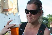 Břeclavský festival minipivovarů navštívilo v sobotu na louce pod zámkem tisíce návštěvníků. Kromě ojedinělé nabídky piv z rekordního počtu 28 minipivovarů přilákal mnohé i program pro celou rodinu a pestrá hudební nabídka.