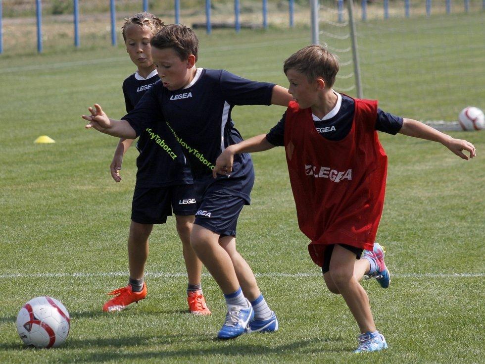 Ve Velkých Pavlovicích se konal první ročník Fotbalového tábora pro děti.