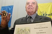 Ve Velkých Němčicích se konala oslava pětadvacetiletého výročí obnovení tamní orelské organizace. Žijeme dál, těší oceněného starostu Žáčka.