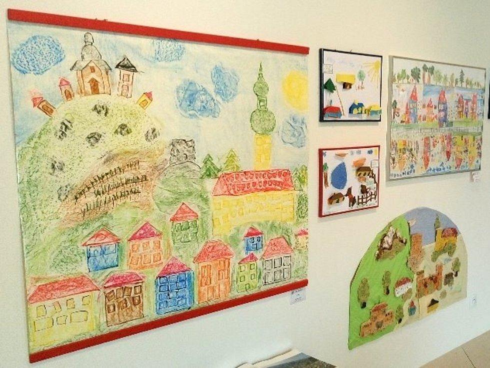 Mikulovská Galerie Závodný patří společné výstavě spřátelených mateřských škol Habánské z Mikulova a z rakouského Drasenhofenu.