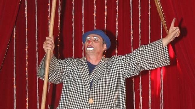 Do Břeclavi zavítal Český national cirkus salto.