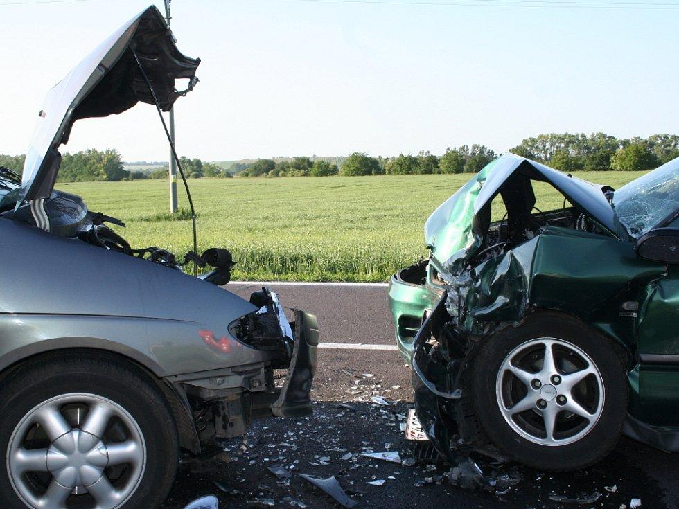 Tragická nehoda u Valtic, při které zemřela žena z Holandska.