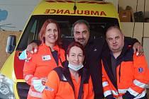 Pan Tomáš přišel poděkovat záchranářům na základně v Hustopečích.