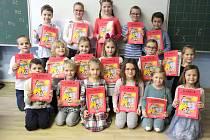 Žáky 1. třídy Základní školy Valtice učí Pavlína Dvořáčková