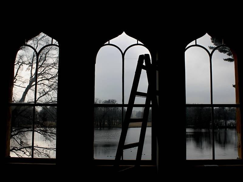 Obnovený interiér lednického minaretu. Traduje se, že na původní výzdobě se podíleli arabští umělci