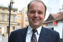 Autor knihy Moravská dominia Lichtenštejnů a Dietrichštejnů Pavel Juřík.