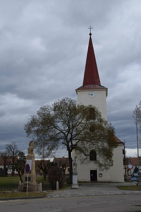 Pohled ke kostelu