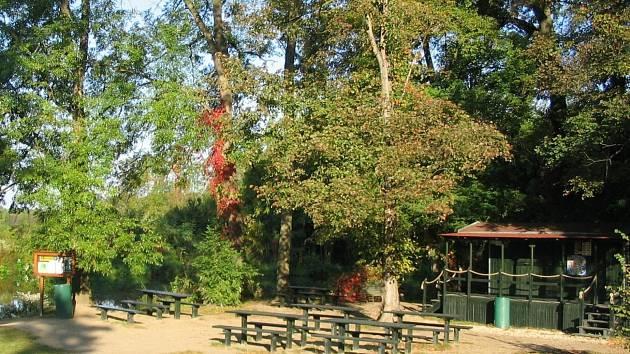 Maringotka s občerstvením stála v blízkosti Janova hradu až do loňského podzimu.