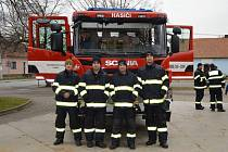Dobrovolní hasiči z Lanžhota získali nové auto.