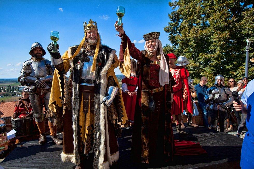 Pálavské vinobraní láká na středověk i hvězdné kapely.
