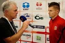 Ondřej Paděra (vpravo) řadí mezi největší zážitky z Eura osobní setkání se sportovním komentátorem Pavlem Čapkem.