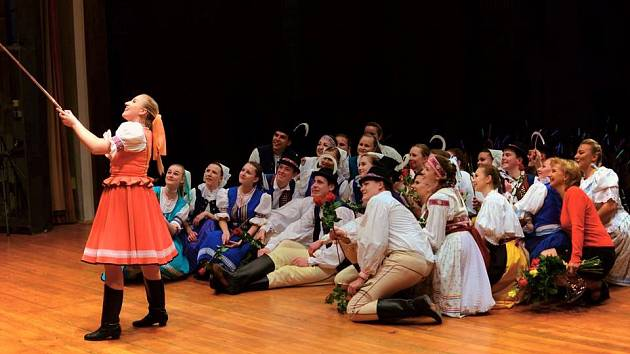 Folklorní soubor Hrozen z Bílovic slaví sedmdesát