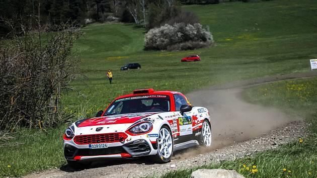 Martin Rada s Jaroslavem Jugasem usilovali na Rallye Šumava o vítězství až do konce.