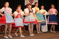 Na pódiu se předvedly i děti z tvrdonické Pomněnky.