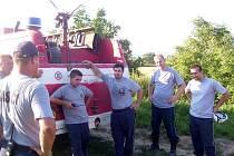 Dobrovolní hasiči z Milovic.