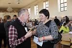 Téměř osm set vzorků vín mohli ochutnat návštěvníci devatenáctého ročníku Valtického koštu. Premiérově se konal v prostorách zámecké zimní jízdárny.