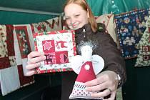 Vánoční jarmark v Poštorné Na Rovnici začal v pátek a pokračuje v sobotu od deseti hodin dopoledne. Láká i na přesňáky.