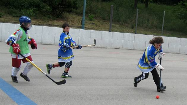 Republikové finále celostátní soutěže Hokejbal proti drogám.