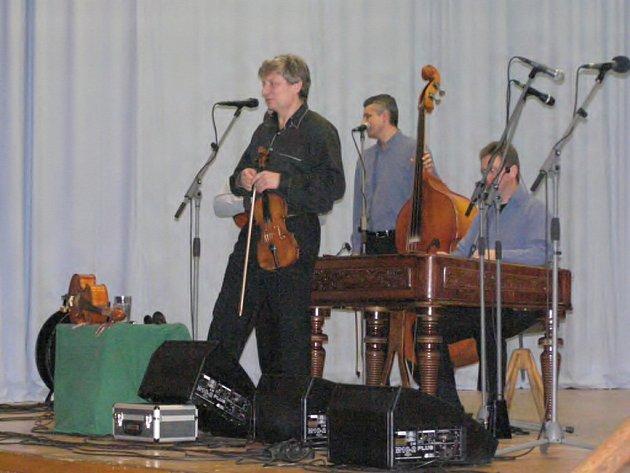 Hradišťan s primášem Jiřím Pavlicou zahrál ve Velkých Němčicích.