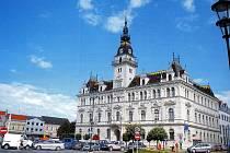 Lázeňské město Laa an der Thaya (na snímku radnice).