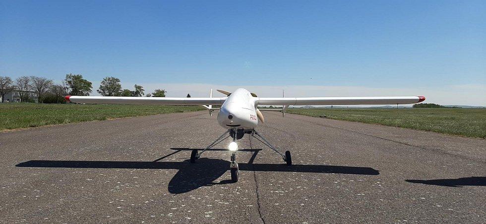 Letecká služba policie testovala v Jihomoravském kraji bezpilotní letoun těžké kategorie. Stroj by v budoucnu mohl doplnit konvenční vrtulníky.
