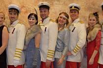 Sobotní městský ples ve Velkých Bílovicích se nesl ve stylu první republiky.