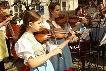 Vystoupení cimbálové muziky Kolík ZUŠ Mikulov.