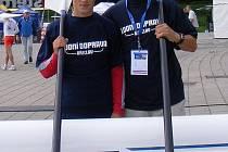 Martin Mikýsek (vlevo) se svým trenérem Josefem Akaiem v Holandsku.