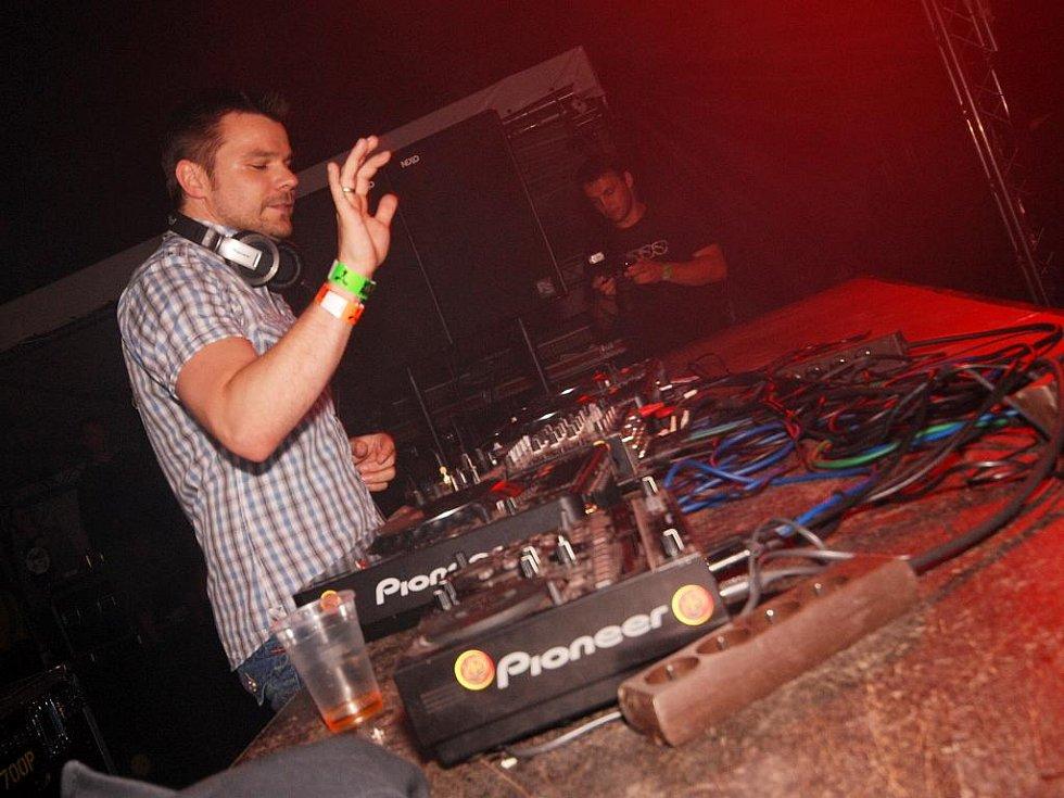 Německý DJ ATB na Creamfields 2009.