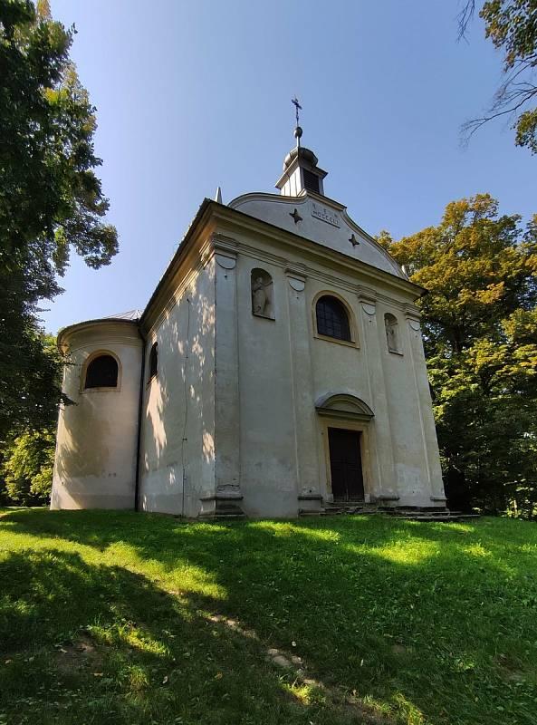 Z výletu do Klobouk u Brna a Boleradic.Poutní kaple sv. Barbory.