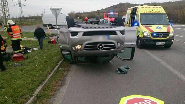Nehoda dvou osobních aut na silnici I/52 u Mikulova.
