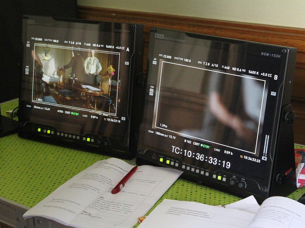 V lednickém zámku natáčí filmaři novou pohádku Zázračný nos.