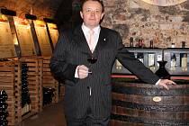 Novou expozici Salonu vín pro letošní rok otevřeli na valtickém zámku v pátek. Ředitel Národního vinařského centra Pavel Krška.